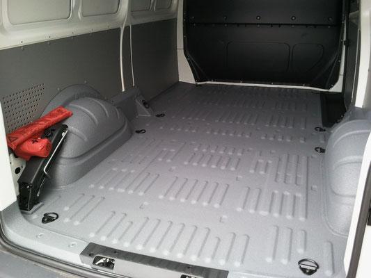 PROTECTAKOTE Antirutschfarbe auf KEP Lieferwagen Ladefläche