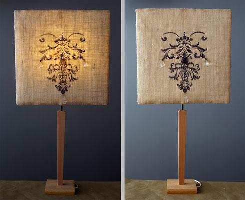 """""""pendeloques"""" pied bois et abat-jour toile de jute -  Hauteur 73 cms - largeur 36 cms - 120€"""