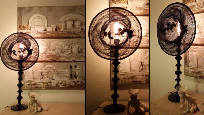 """""""Passereaux"""" - Hauteur 77 cms - pied 17 cms - largeur 35 cms - Pied laqué noir - Ampoule à filaments - Création unique - 180€"""