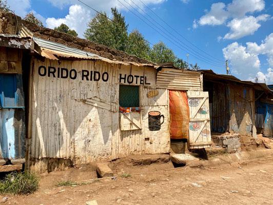 Самые большие трущобы в Восточной Африке - Кибера