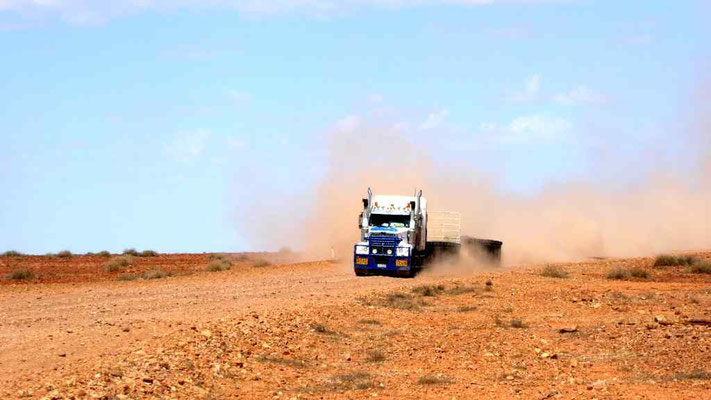 Roadtrain dusty