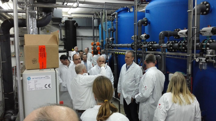 Betriebsbegehung bei der Wäscherei Wulff Textil-Service GmbH im Gewerbegebiet Kiel-Wellsee