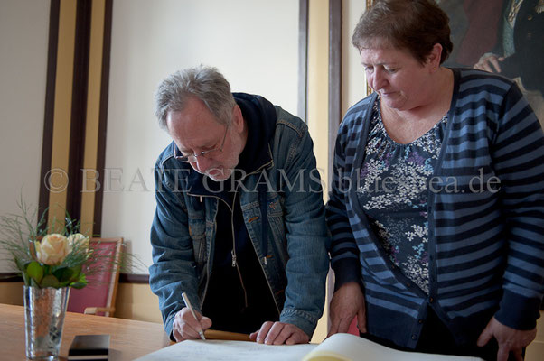 li: Andrzej Matysik (Herausgeber Polen) -Rathaus Blues Baltica Eutin