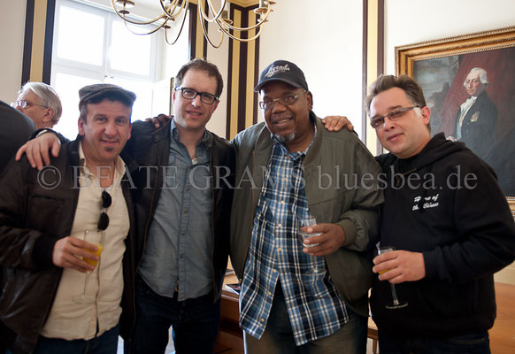 vlnr: Pascal Delmas, Joe Nosek, Oscar Wilson, Fred Jouglas (Cash Box Kings) - Rathaus Blues Baltica Eutin