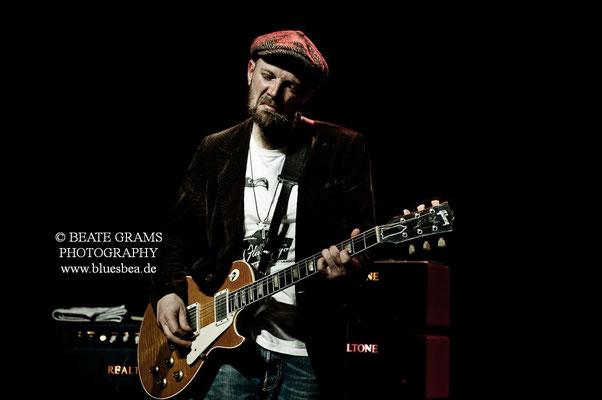 """""""Blues for Gary"""" by Henrik Freischlader - 22.04.2017 Räucherei Kiel"""
