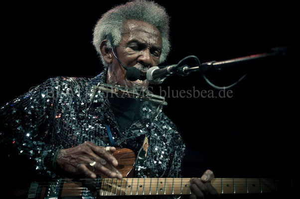 Lil Jimmy Reed, 19.02.2016, 18. Internationales Kieler Blues Festival