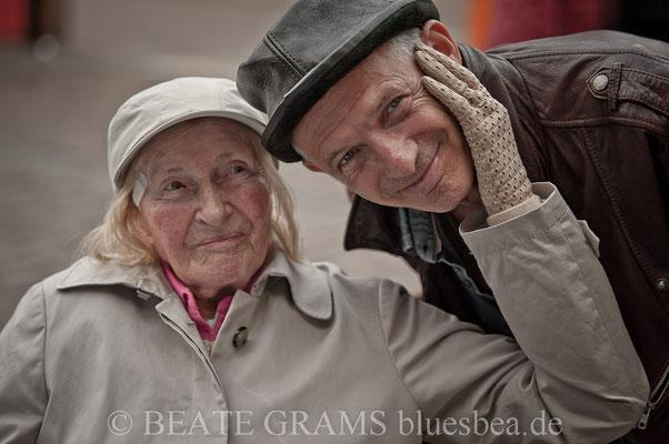 """Mit 102 Jahren der älteste Bluesfan, den ich kenne. Ein Wunsch..ein """"TogetherWith"""" mit Abi. Auftrag ausgeführt."""