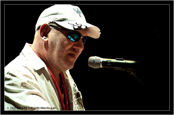 "14 Georg Schroeter (Germany) - Grand final: ""Hosted-Session"" - 23. Bluesfestival Eutin 2012 - Sonntag, 20. Mai"