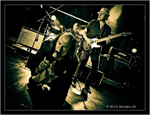 "The HAMBURG BLUES BAND & ARTHUR BROWN ""The God Of Hellfire"" - 16. September 2011 Kiel, Pumpe"