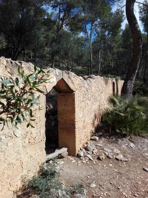 Ruine an der Calla Agulla