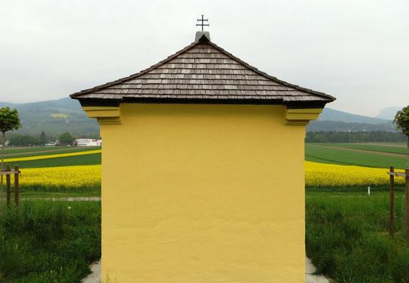 Heuschreckenkapelle Schindeldach