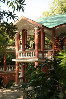 Palampur, Ehemaliger Maharatscha Palast