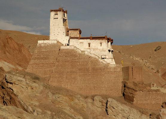 Kleines Kloster im Industal vor Leh