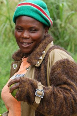 Früchrteverkäuferin am Äquator, Mbarara (Uganda)