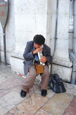 Trauriges Gedudel aus der Melodica, Lisboa (Portugal)