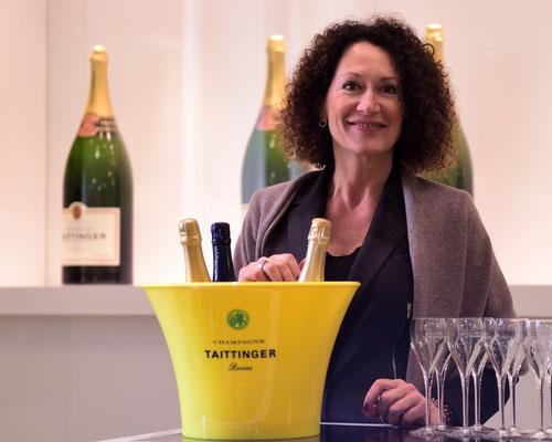 Führung durch die Katakomben von Taittinger (sprich 'Tètängschee'); Reims, Champagne