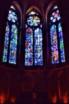 Kathedrale Notre-Dame von Reims; Glasmalrei Marc Chagall ab 1971; Originaltechnik Atelier Marq Simon