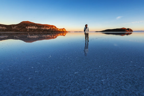 Spiegelung bei Sonnenuntergang oder wenn Pia auf dem Wasser stehen kann ;-)