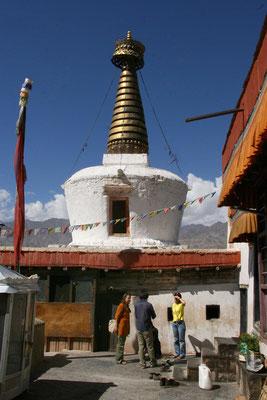 Stupa Chorte, Kloster Shey
