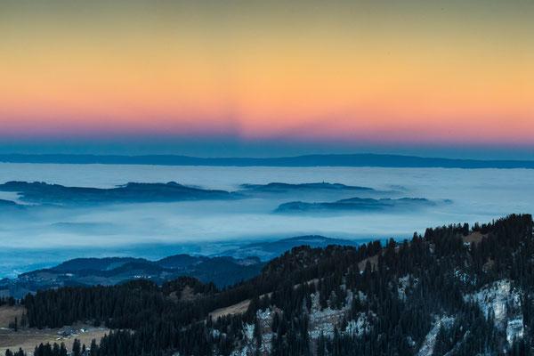 Niederhorn mit Blick auf das Berner Mittelland; 29.  Dezember 2016, morgens