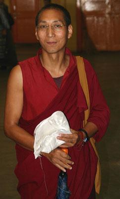 Mönch aus Südindien während Studienjahr in Dharamsala