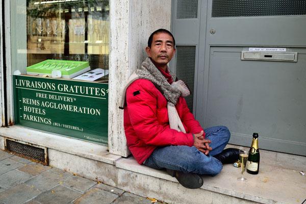 A Reims, on boit du Champagne