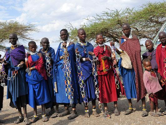 Massai-Frauen am Oldonyo Lengai (Tansania)