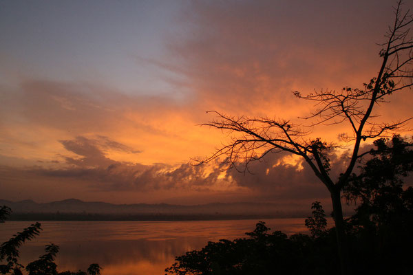 Morgenstund' in Jinja über dem Nil