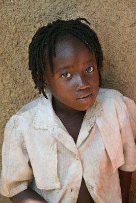 Schulkind in Masindi, West-Uganda