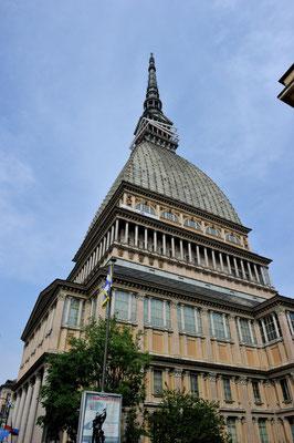 Mole Antonelliana (1863-88), Wahrzeichen Turin; höchstes Gebäude Italiens