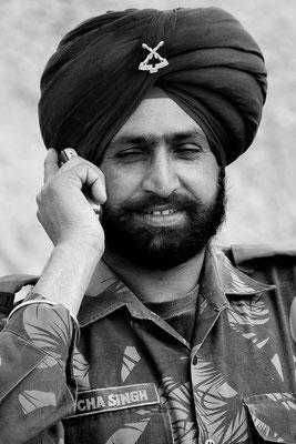 Sikh (mit Name Singh) als indischer Soldat in einer Garnison in Ladakh