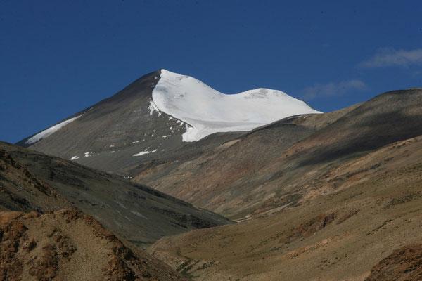 Leh-Manali Transhimalaya: Gipfel über dem Tanglang La