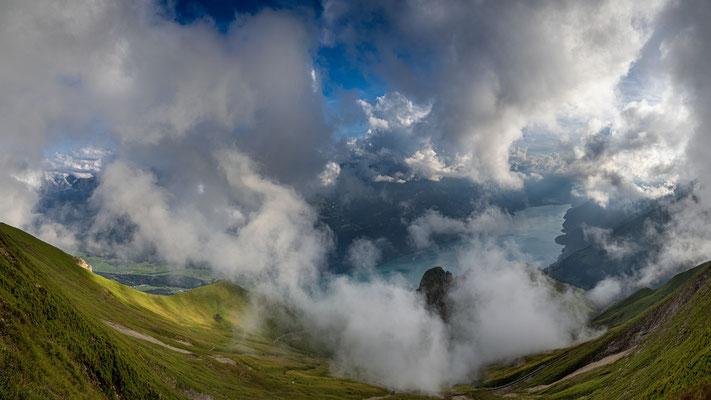 Wetterküche Berner Oberland, Sicht vom Brienzer Rothorn, 15.8.2020