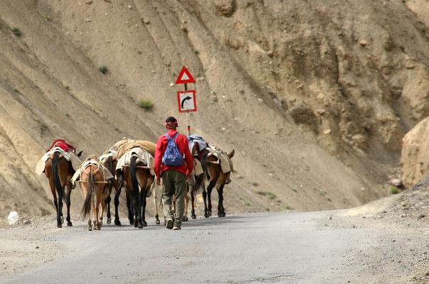 Auf der Strasse nach Lamayuru