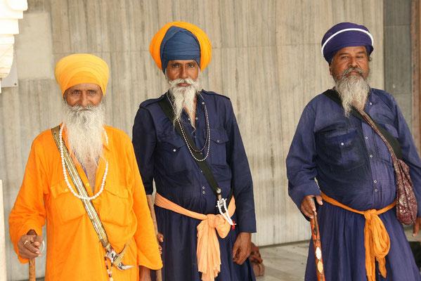'Alte Garde' beim Sikh Tempel in Dehli