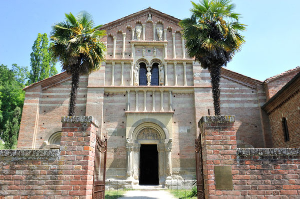 Romanische S. Maria die Vezzolano, Albugnano (Piemonte)