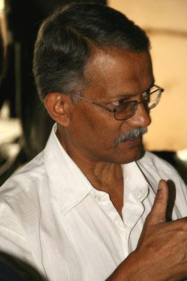 Erklärungen von Mr. Mittra, Leiter des Teebetriebs
