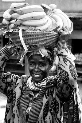 Bananenhandel am Markt von Kabale (Uganda)