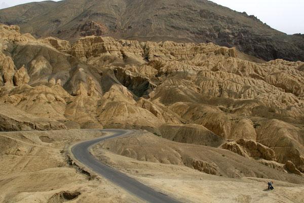 Sandsteinformationen vor Lamayuru