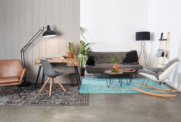 Geschmackvolles Wohn- und Arbeitszimmer Arrangement