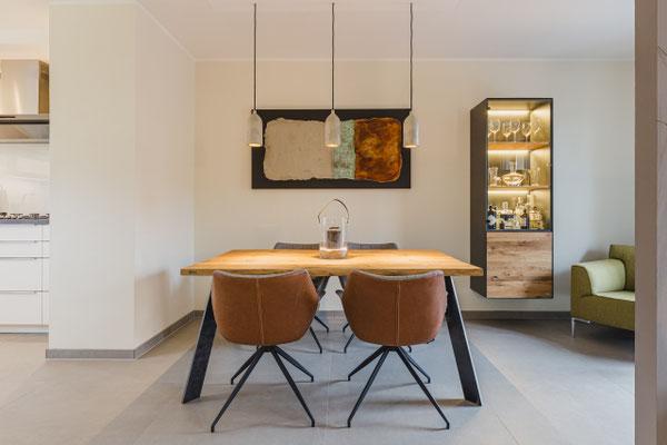 Holztisch fürs Esszimmer, Wohnzimmer oder Büro