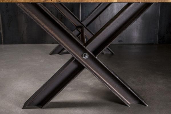 Möbelloft, Moebelloft, X Loft, Tisch auf Maß, Tisch selber konfigurieren, Tisch selber gestalten, Designtisch, Designertisch, Tischgestell auf Maß, Tischgestell auf Wunsch, Tischgestell selber designen, Stahlgestell, Holzgestell, Glasgestell, Ruhrgebiet