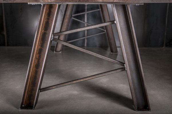 Möbelloft Premium Unikat Maß Gestell aus Stahl. TAGS: Unikatplatte, Stahlgestell, Designgestell, Tischgestell, auf Maß, Anfertigung, Massivholz, Beton, Acryl, Stahl, Betonplatte, Betontisch, Handarbeit, Sonderanfertigung, Maßanfertigung, Essen, Zollverein