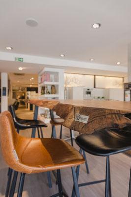 Luxus Designertisch - Tisch aus nachhaltigem Holz für das Wohnzimmer oder die Küche