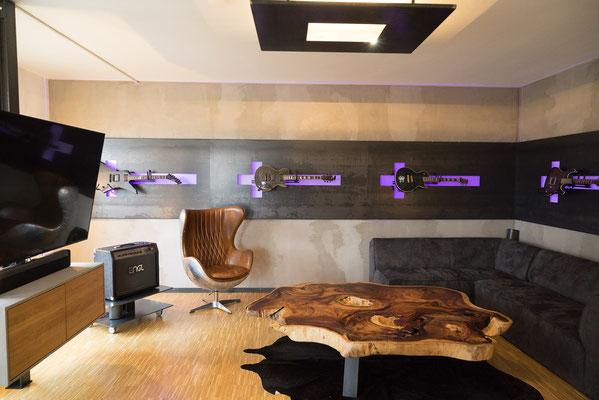 Tisch individuell konfigurieren mit verschiedenen Gestellen aus Holz, Stahl oder Glas.