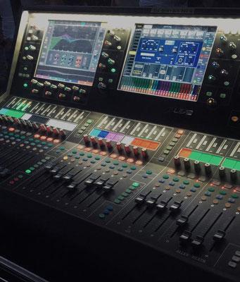 Allen & Heath dLive S5000 Digital-Konsole