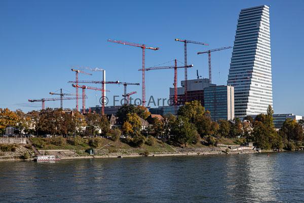 Basel: Bau von Roche Tower 2, er wird 205 Meter hoch und wird 50 Stockwerke haben