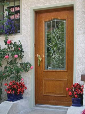 Haustüre mit Fasettenglas und Bleiverglasung. Hersteller: Küchen-Türen.ch