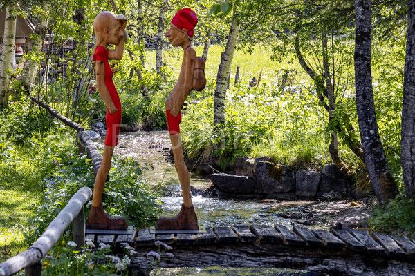 Gasterental Selden Holzfiguren Skulpturen