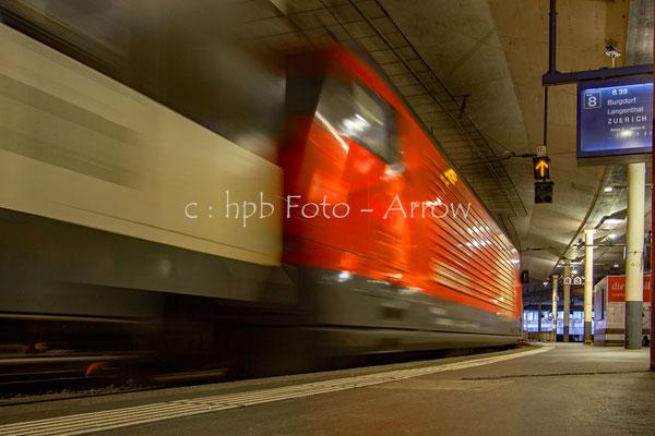 SBB Schweizerische Bundesbahnen Einfahrt einer RE 460 im Bahnhof Bern